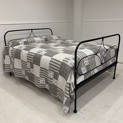 Kingsize - Antique Irish Cottage Bed - OM104