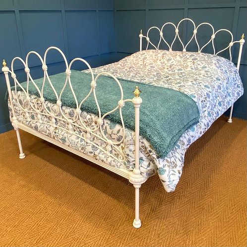 Double - Antique Metal Bed - OM152