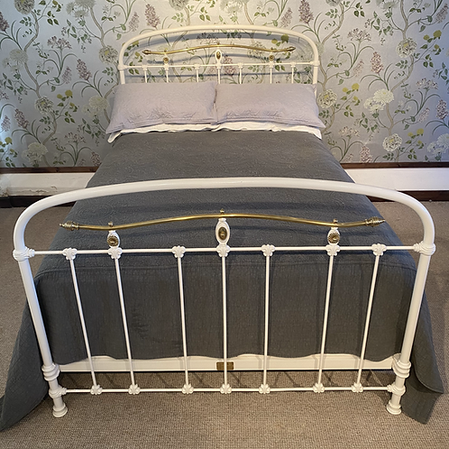 Double French Iron Bed - OM095