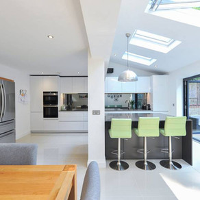 Luxury Open-plan Handleless Kitchen - Godalming, Surrey