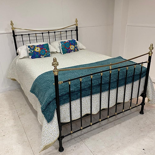 Kingsize - English Victorian Brass & Iron Bed - OM134