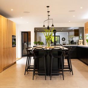 Contemporary Handleless Kitchen - Surrey