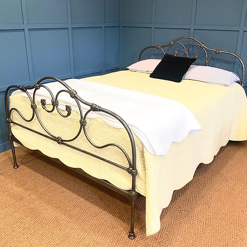 Kingsize - Victorian Iron Bed - OM149