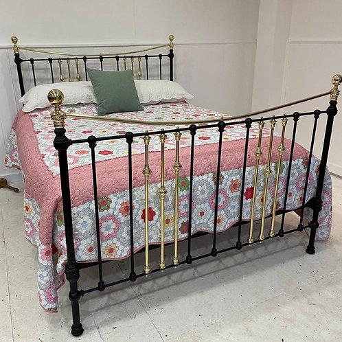 English Victorian Kingsize Brass Bed - OM109