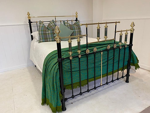 English Victorian Bed with Arum Lillies - OM101