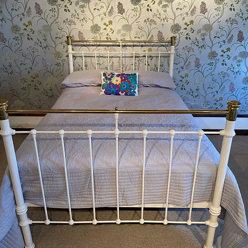 Late Victorian White Double Bed Frame - OM088