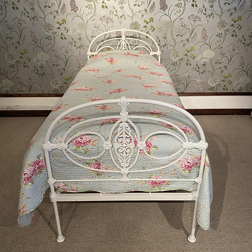 Single White All Iron Bed - OM097