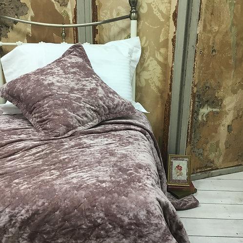 Sacha Pink Velvet Bedspread