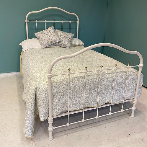 Single - French Antique Bed - OM115
