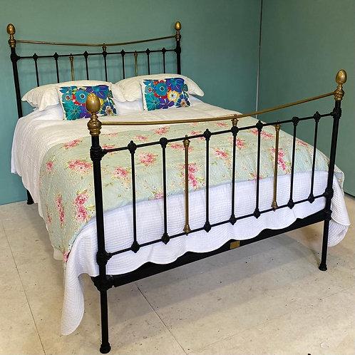 Kingsize - Spanish Antique Bedstead - OM133
