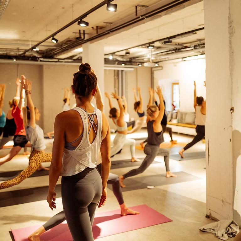 Yoga x Brunch im Mangfallblau
