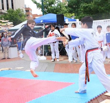 lizzy kick.jpg