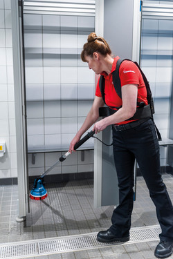 Ideal to clean tight spaces