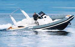 Clubman 28 EFB on water