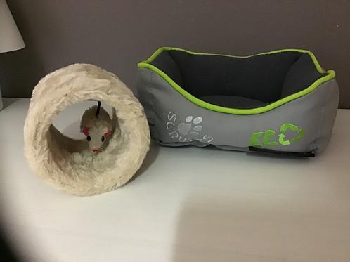 Bedje +speeltje voor fret of rat.