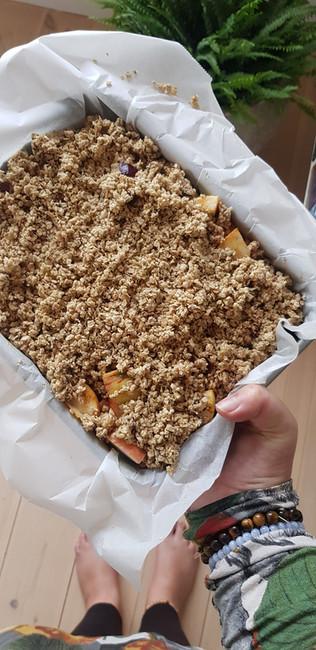 Highvibe Apple crumble - eat it raw or bake it