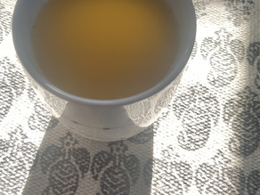 Prevent & fight of a cold: fresh ginger tea & thyme