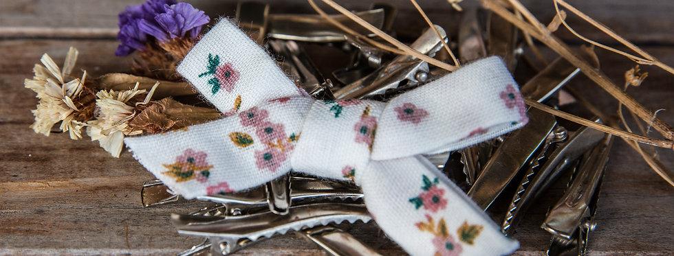 PEARL bow hair clip