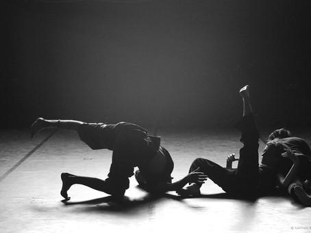 Natalie HOFMANN // Le Clair-Obscur en Contact-Impro