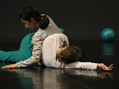 Mathilde MONFREUX // (Re) commencer le contact improvisation