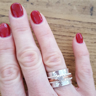 Heart embellished spinning ring