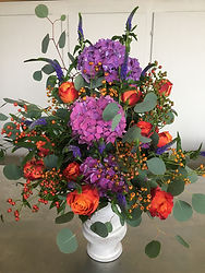 Hortensias violets,roses oranges,eglantier.