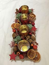 Echeverias,noix,tranches d'oranges et décoration de Nöel