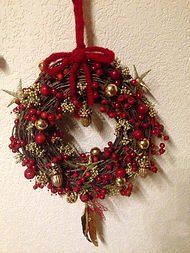 Eglantier,poivres doré et décorations de Noël