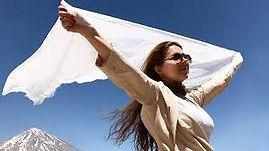 Kopftuch weg Iran. images-1.jpeg