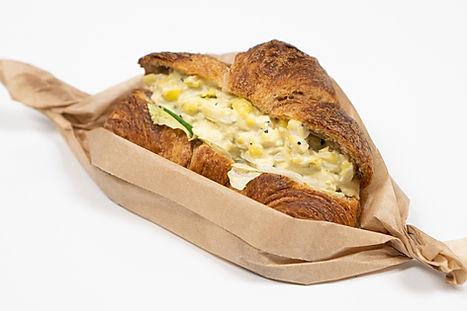 Whole_Wheat_Egg_Croissant_La_Palme_Dor(H
