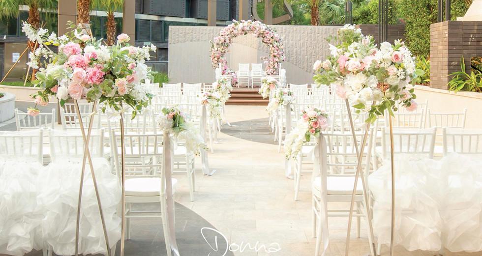 resize_Donna-On-Stage-Wedding_Pink-Weddi