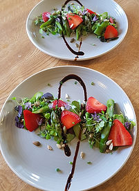 Strawberry Asparagus Salad (2).jpg