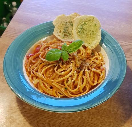 Tomato & Pesto Pasta