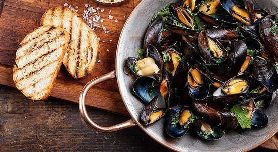 mussels-with-cider-mbprp0yr4befzyd61apse