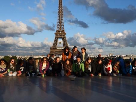 CUP-SONG als Flashmob in Paris ...