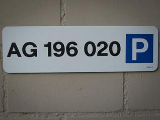 Parkplatschilder (9).jpg