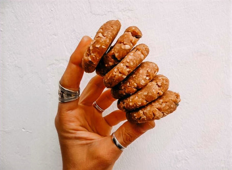 Raw Peanut Butter & Oatmeal Cookies