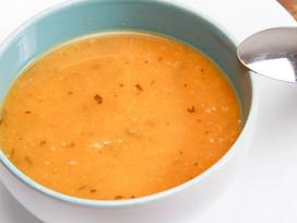 Como fazer sopas nutritivas e de baixa caloria