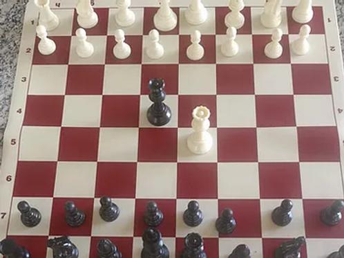 Xadrez com 34 peças.