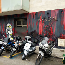 vandal fachada.jpg
