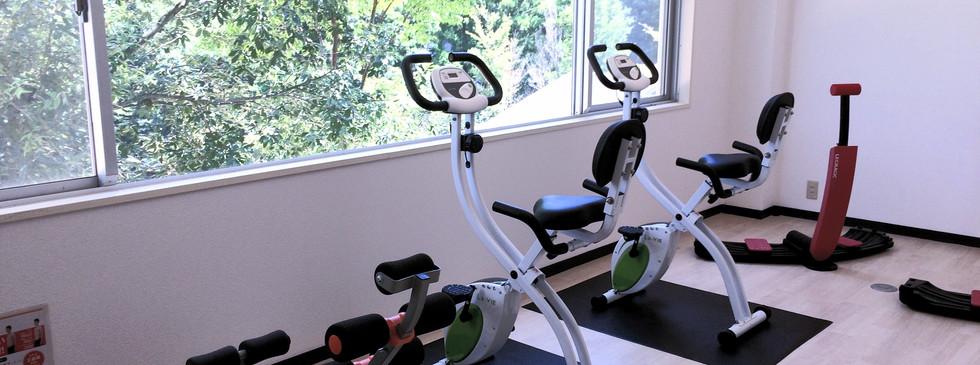 研鑽の間/fitness room