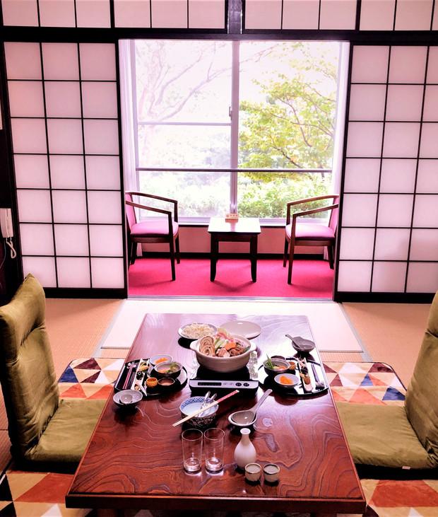座敷個室で頂く海鮮鍋料理