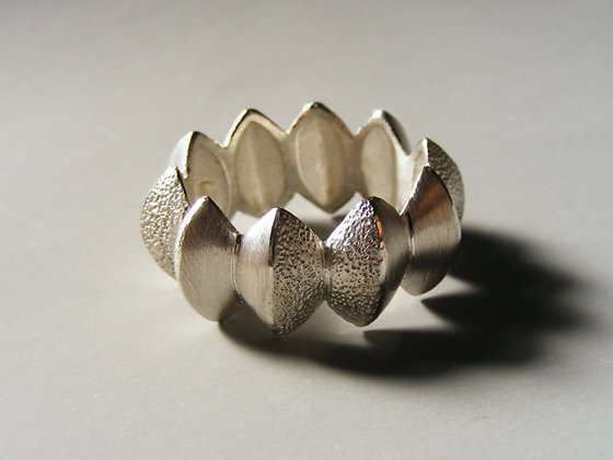 Star Anise Pod Ring
