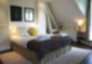 Pinte, the room