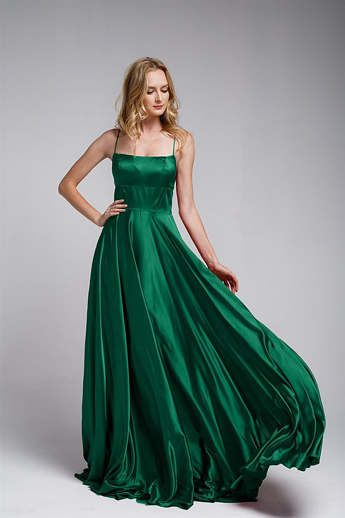 Amelia Couture 472 Emerald Size 16
