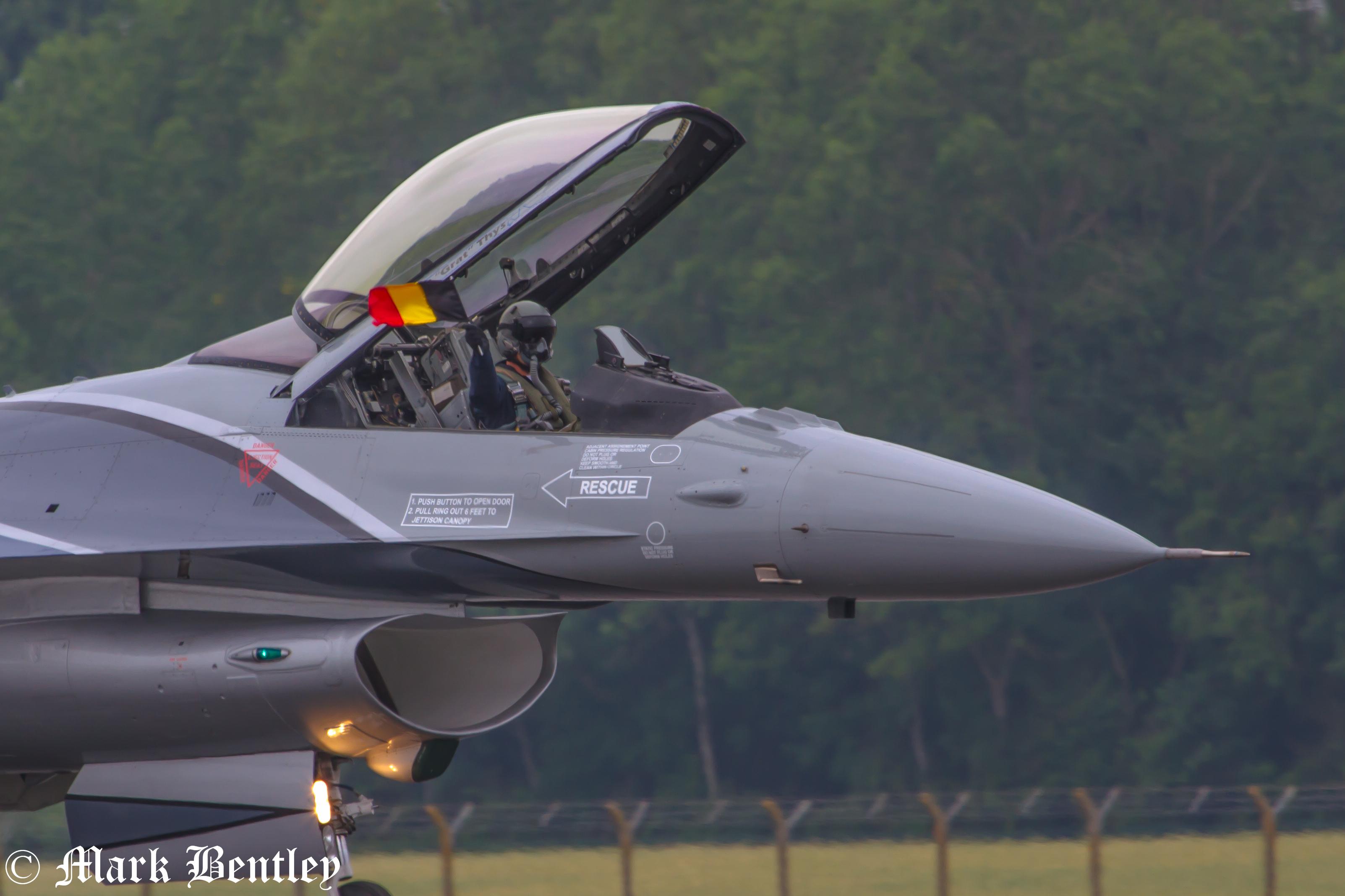 B033 Belgian F-16