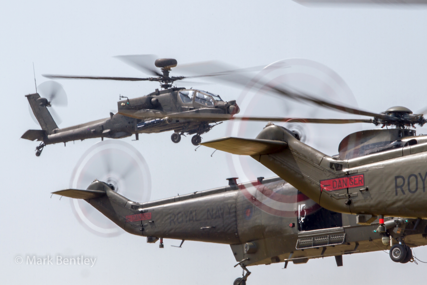 B008 Apache and Sea Kings