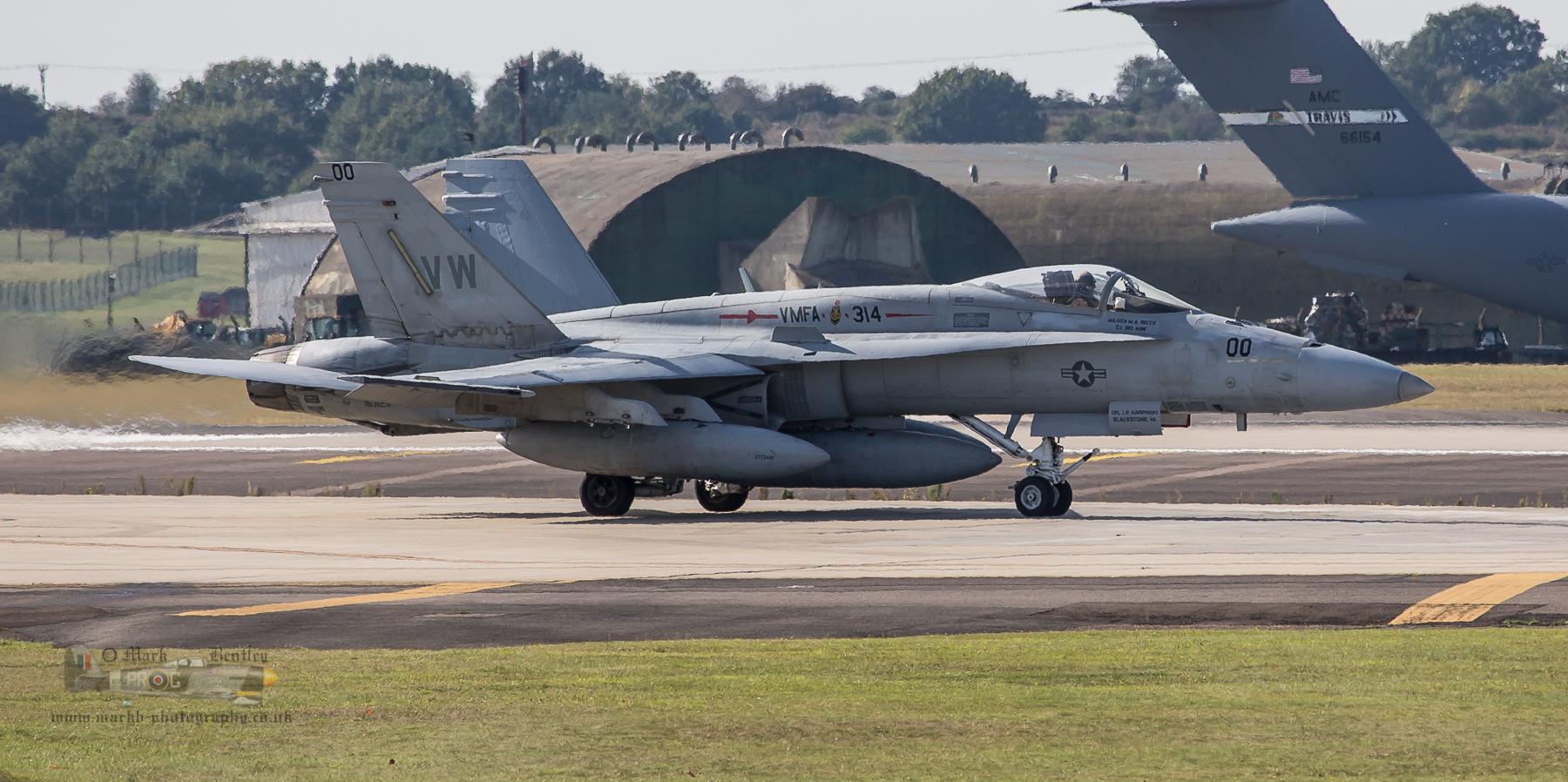 B090 USMC Hornet.jpg
