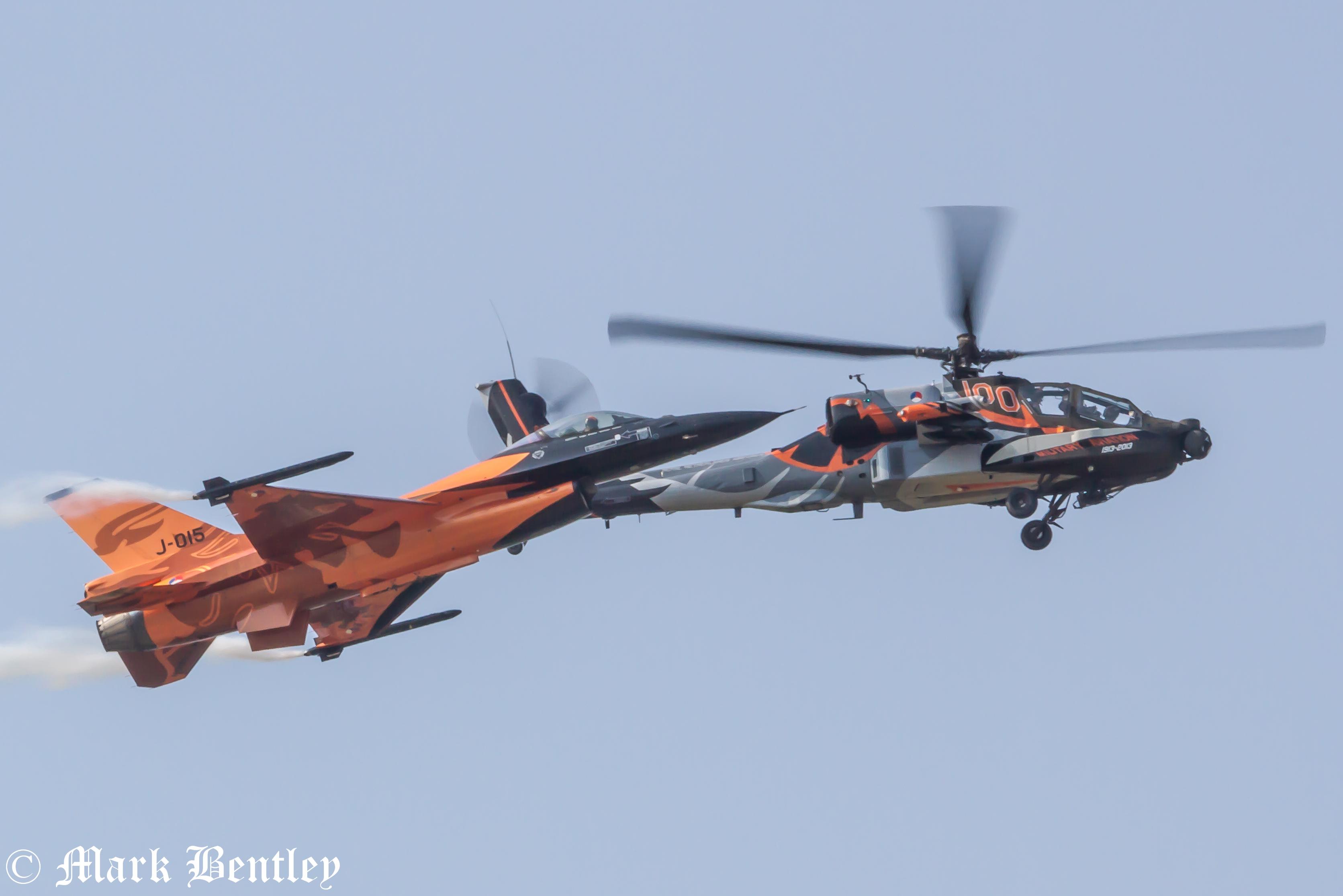 B021 Dutch F16 and Dutch Apache