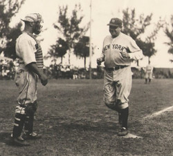 Babe barnstormed with Negro Leagues